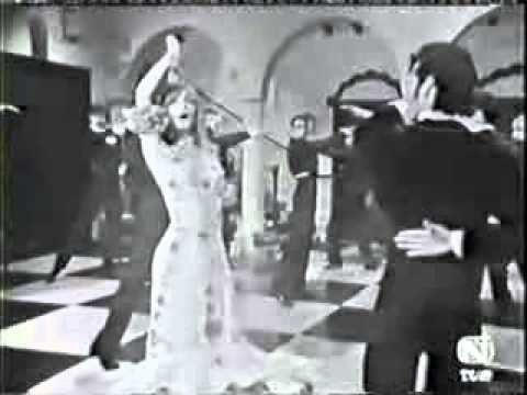 Marisol sings Zorongo gitano